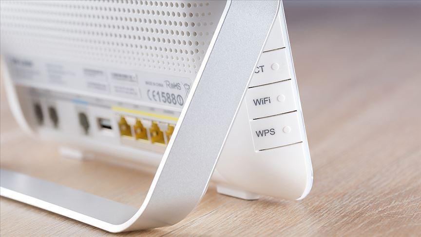 Türk Telekom CEO'su: Wi-Fi şifrelerini herkesle paylaşmayın