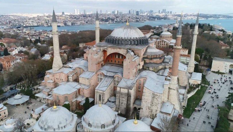 Tarihte Bugün: 2 Şubat 1935 Ayasofya müze olarak halkın ziyaretine açıldı
