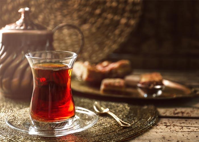 Çay sevenlere uyarı! Çayda boya hilesi
