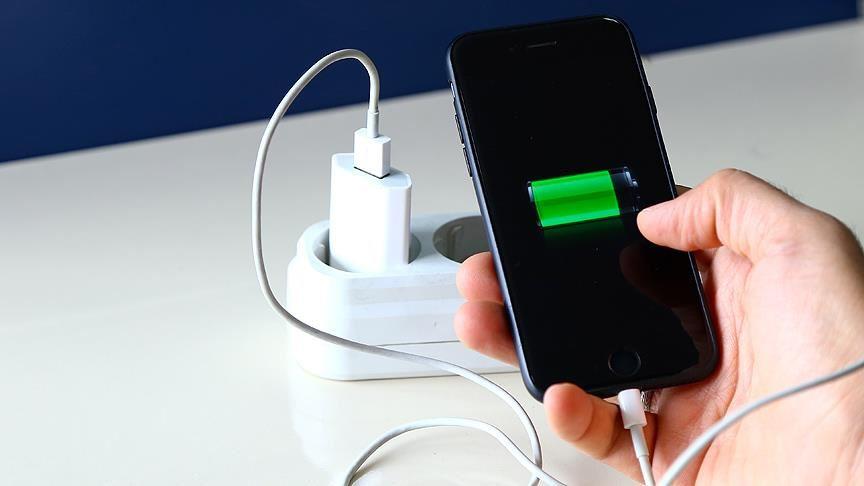 Cep telefonlarının batarya kapasitesi 'teknolojik darboğazı' aşamıyor