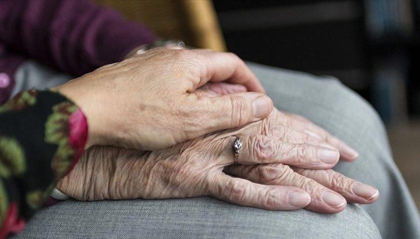 Yaşlılar için koronavirüse karşı 19 'altın' öneri