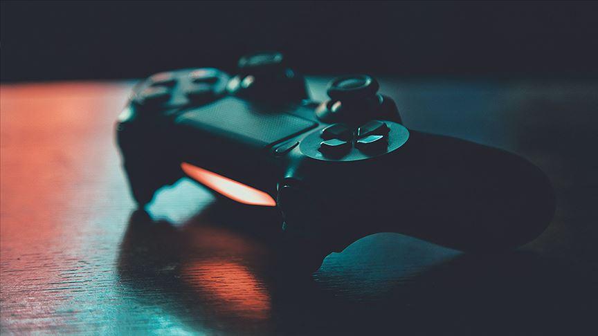 Evde kalanlar online oyunda 'FİFA', 'PUBG' ve 'LOL'u tercih etti