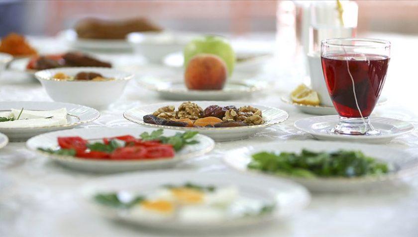 Koronavirüs salgınında ramazanı sağlıklı geçirme önerileri