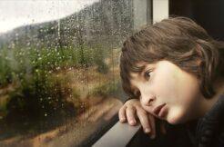 'Çocuğunuzun ruh sağlığı için salgını abartılı anlatmaktan kaçının' uyarısı
