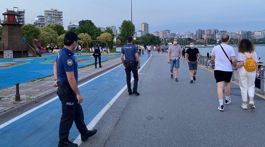 Caddebostan sahilinde maske takmayanlara cezalar uygulanmaya başlandı
