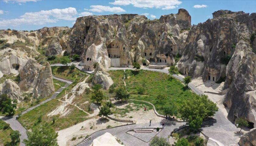 Kültür ve Turizm Bakanlığına bağlı 300'ü aşkın müze ve ören yeri ziyaretçilerini bekliyor